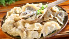 Как приготовить вареники с сырой картошкой