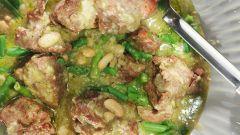Ягненок с бобами и зеленой фасолью