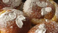 Творожные кексы с заварным кремом и джемом