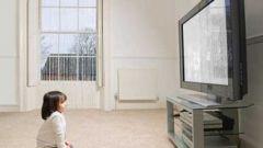 Как отучить ребёнка от телевизора