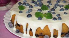 Пирог с голубикой и сливочным сыром