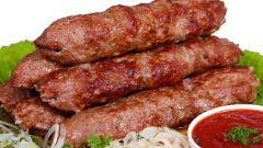 Рецепты для пикника: люля-кебаб на шампурах
