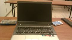 A guide to disassembly laptop Samsung NP355V4C