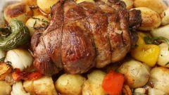 Запеченная баранина и картофель буланжери