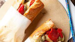 Сэндвич с голландским сыром и овощами