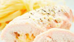 Куриный рулет с сыром и творогом