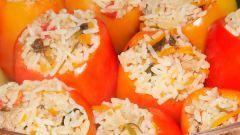 Перцы, фаршированные грибами и рисом