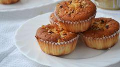 Как приготовить сливочные маффины с персиками?