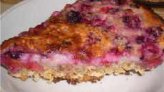 Орехово-овсяный пирог с ягодами