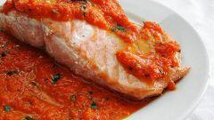 Лосось под итальянским соусом