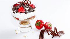 Нежный десерт из фруктов с заварным кремом