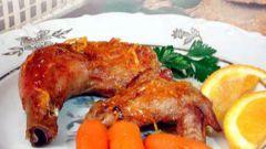 Запеченная курица с глазированной морковью