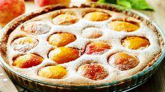 Как приготовить творожный пирог с персиками?