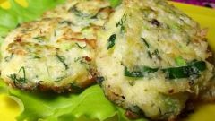 Готовим вкусные оладьи с зеленью и икрой
