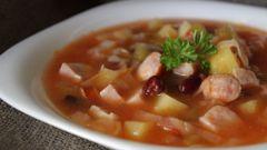 Суп из охотничьих колбасок в мультиварке