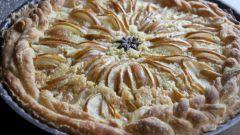 Как приготовить грушевый пирог с миндалем