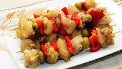 Как приготовить рыбу с овощами на шпажках