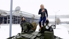Где можно покататься на танке