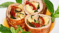 Свиные рулеты с сушеными помидорами