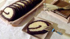 Десертный рулет с рисом и черносливом