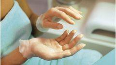 Как вернуть молодость рукам при помощи парафина