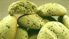 Кунжутное печенье с чаем матча