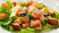 Салат с креветками и твердым сыром