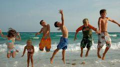 Куда отправить отдыхать ребенка на летние каникулы
