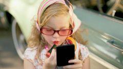 Стоит ли покупать детскую косметику маленькой девочке: мнение экспертов