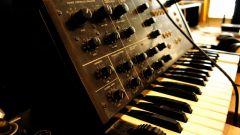Как выбрать профессиональный синтезатор