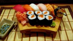 How to cook sushi and rolls at home