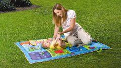 Как выбрать развивающий коврик для ребенка