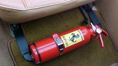 Как выбрать и купить автомобильный огнетушитель