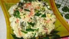 Теплый салат из форели