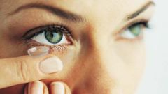 How to moisturize eyes in the lenses