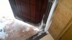 How to eliminate condensation on the front door