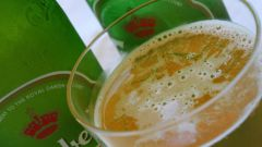 Как налить пиво без пены