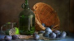 Plum liqueur at home