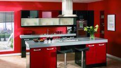Кухня в бордовом цвете