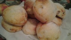 Вкусные булочки с изюмом