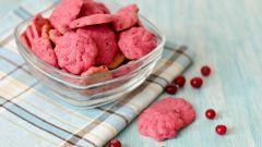 Розовое клюквенное печенье