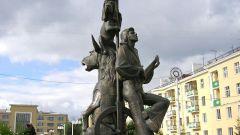 Где установлен памятник бременским музыкантам