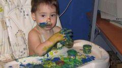 Стоит ли разрешать играть ребенку с вещами