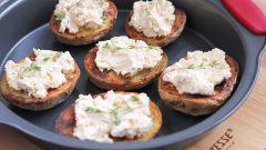 Как приготовить картофельные корочки с копченым лососем