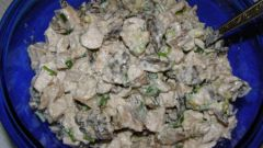 Как приготовить салат с белыми грибами?