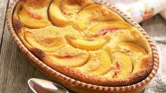 Летний пирог Крамбл с персиками