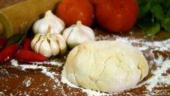 Диетическая пицца: полезная основа и соус