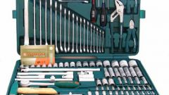 Какие инструменты должны быть в машине