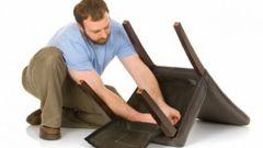 Как самому поменять обшивку стула