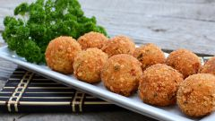 How to cook fish cakes: the secrets and rules